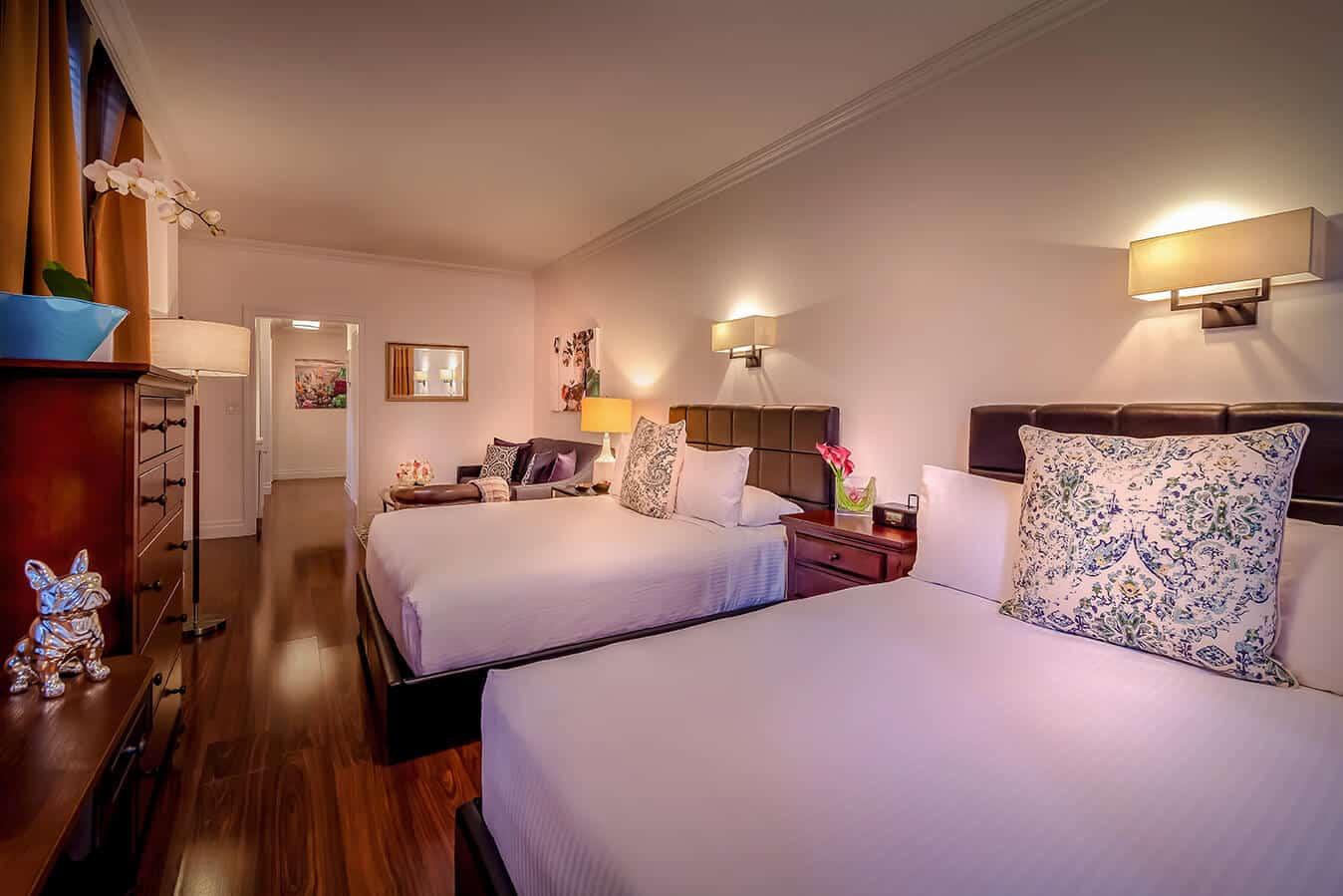 Corner Suite Beds